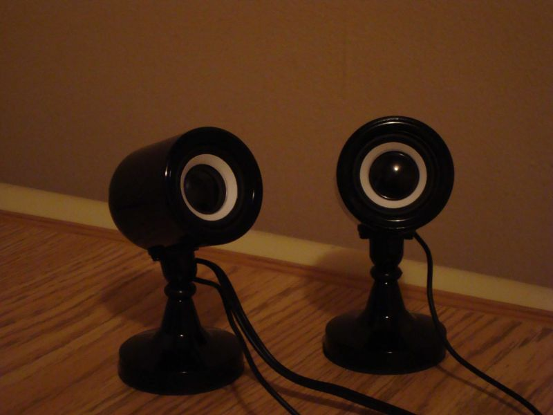 Des speakers